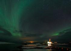 Northern lights (Aurora borealis) over Tranøy lighthouse. Photo: Stefan Linnerhag
