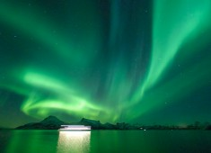 Stunning and very strong northern-lights (aurora borealis)over Tysfjord, Norway. Photo: Stefan Linnerhag